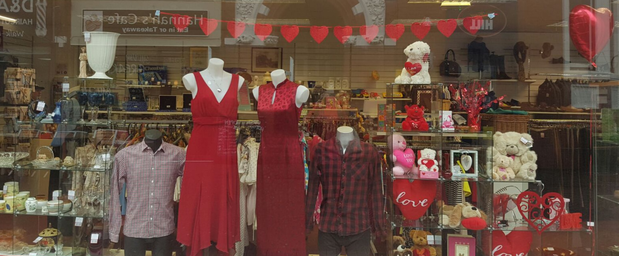 Love is in the air at our 20 shops Flex Slider-min The Myton Hospices Retail Shops Leamington Warwick Coventry Rugby