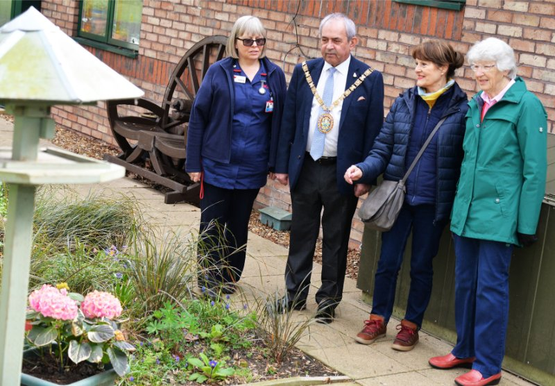 Rugby Myton Hospice - Gardens - Volunteering - The Myton Hospices