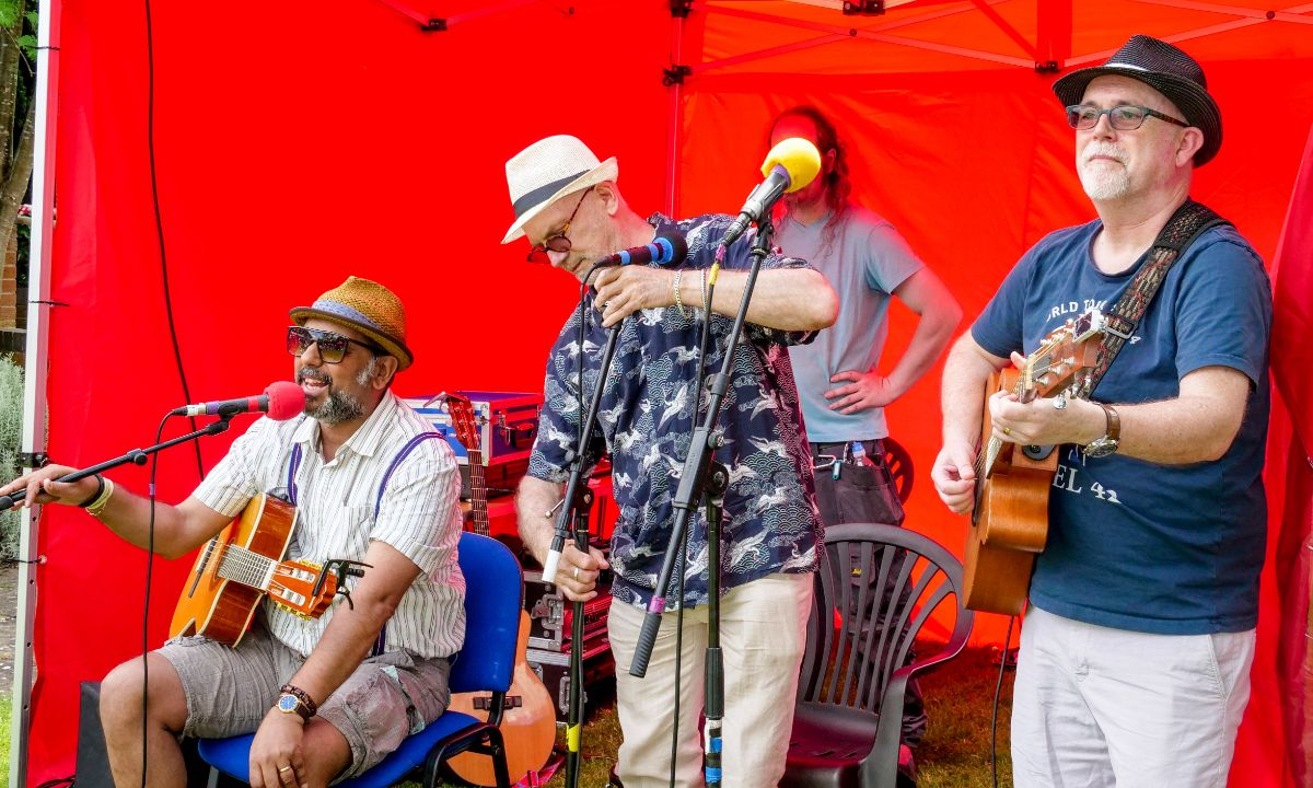 Warwick Summer Fete - The Myton Hospices - Coventry - Leamington Spa - Rugby - Music - Band